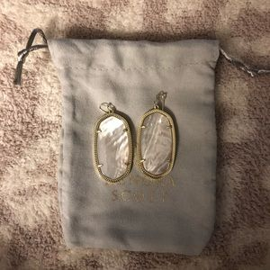 Kendra Scott Danielle gold w/Ivory Mother of Pearl